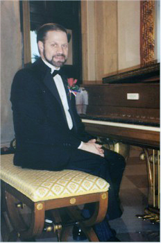 Joseph Jacovino, Jr. at the White House Steinway Piano